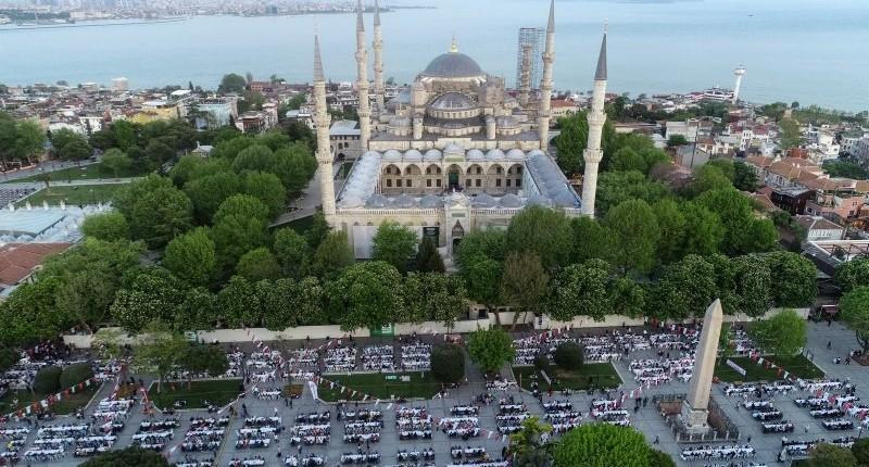 تركيا … عادات تتجدد في كل عام وأجواء رمضانية خاصة
